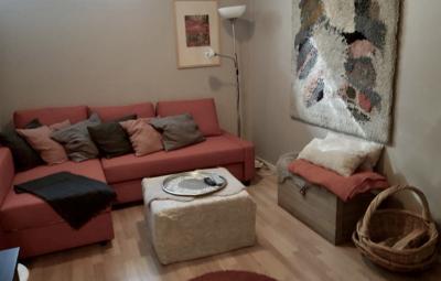 Levin Lumienkeli B3, alakerran takkahuoneen sohva